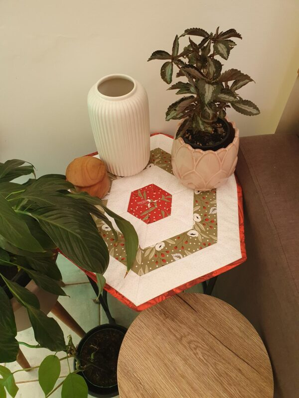 Christmas Morning Table Centre